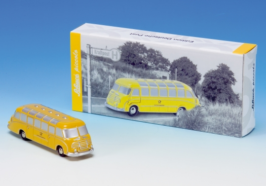 schuco setra s8 bus deutsche post. Black Bedroom Furniture Sets. Home Design Ideas